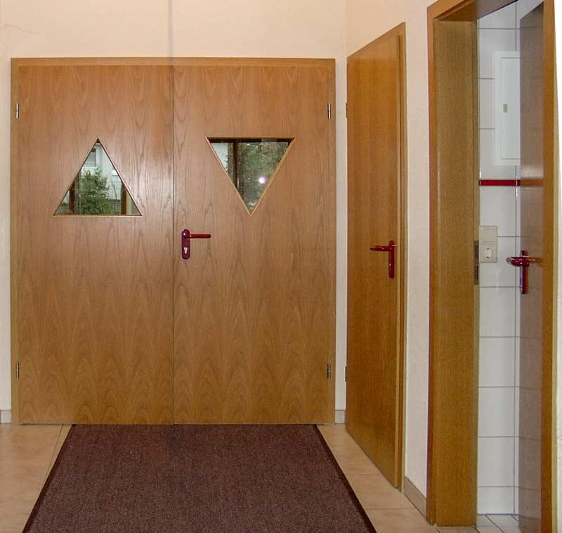 innent ren schiebet ren schreinerei m bel innenausbau in buchen schreinerei h fner. Black Bedroom Furniture Sets. Home Design Ideas